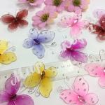 Бабочки из органзы, разных цветов , оригинальное украшение и дополнение для цветочных композиций