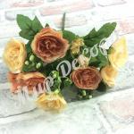 Букет роз с бутонами . Шампань