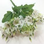 Букет мелких хризантем. Белый