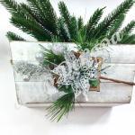 Бутоньерка новогодняя  серебро . 6 штук