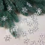 Снежинки маленькие пластиковые похожие на ледяные