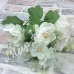 Букет пионовидной розы с добавками. Белый