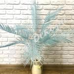 Ветка пальмы. Голубой
