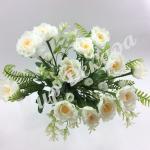 Букет розы «Рококо» с папоротником. Белый.