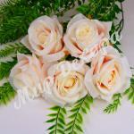 Голова розы, айвори с розовым, 10 шт.