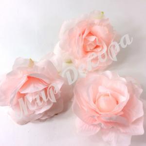 Голова розы . Нежно розовый. 12 шт