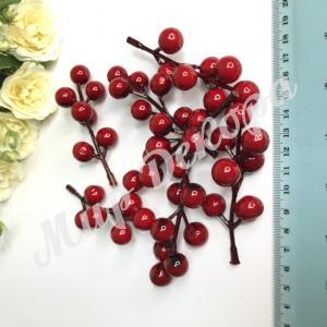 Веточка ягод короткая . 25 шт