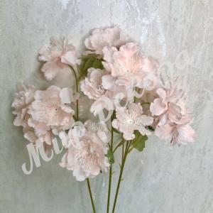 Цветок декоративный . Нежно розовый.