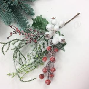 Новогоднее украшение. Красные заснеженные ягоды. 6 штук.