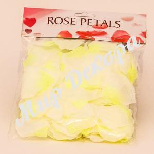 Лепестки роз (бело-желтыые)